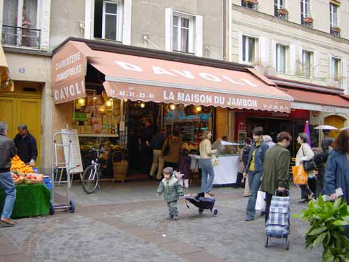 Davoli, an institution and the best choucroute in Paris.